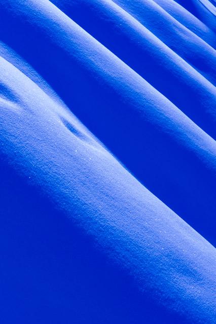 neige-bleue-lignes
